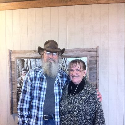 Aisha: Duck Dynasty's Si Robertson Is Married And Here's His Wife ...